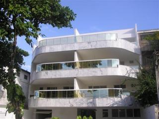 Excelente Apartamento na Av. Genaro de Carvalho