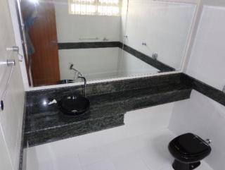 Uberlândia: casa bairro martins proximo ao centro uberlandia com armários cinco banheiros 7