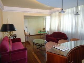 Ouro Preto: Apartamento no B. Santo Antônio em Belo Horizonte 2