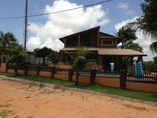 Casa Nova Alto Padrão 1 km da praia