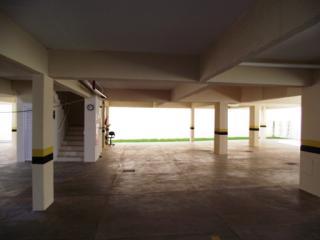 Uberlândia:  Aptº próximo ao Supermercado Bahamas.  B. Granada. 8
