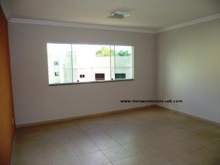 Uberlândia: Apto 3/4, (1 suíte), sala imensa, montado – B. Copacabana. 3