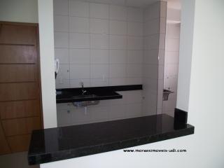 Uberlândia:  Apto novo 2/4, (1 suíte), elevador - B. Stª Mônica. 5
