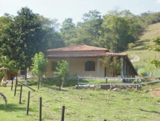Cachoeiras de Macacu: Sítio barato Guapimirim 3