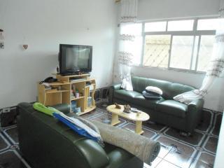 Santos: Para Investidor, Apartamento térreo para reformar! Vila Matias, Santos /SP  1