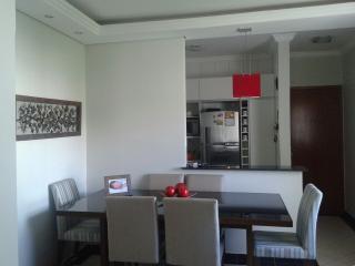 Uberlândia: Apto. montado, 2/4 (1 suite), 3º andar, prox. UFU Sta. Mônica – Cod 310  1