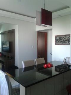 Uberlândia: Apto. montado, 2/4 (1 suite), 3º andar, prox. UFU Sta. Mônica – Cod 310  2