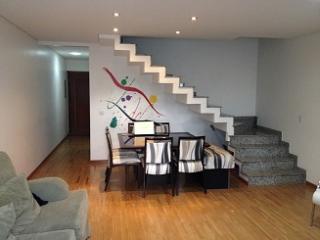 Sobrado 03 Dormitórios em Condomínio Fechado, Santo André - Bairro Jardim.
