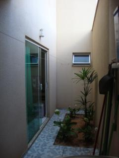 Uberlândia: Apto. térreo com o conforto casa, (área externa e 3 jd. inverno). 12