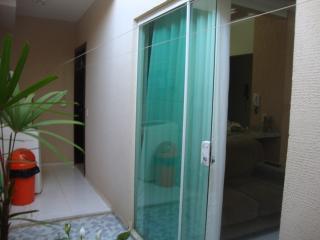 Uberlândia: Apto. térreo com o conforto casa, (área externa e 3 jd. inverno). 13