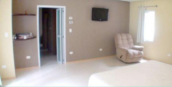 Curitiba: Residência LINEAR em Condomínio - 4 suites - Área construída : 610 m². - Terreno (útil): 2.500 m² 11