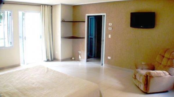 Curitiba: Residência LINEAR em Condomínio - 4 suites - Área construída : 610 m². - Terreno (útil): 2.500 m² 13