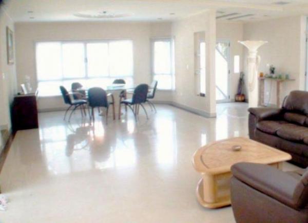 Curitiba: Residência LINEAR em Condomínio - 4 suites - Área construída : 610 m². - Terreno (útil): 2.500 m² 3