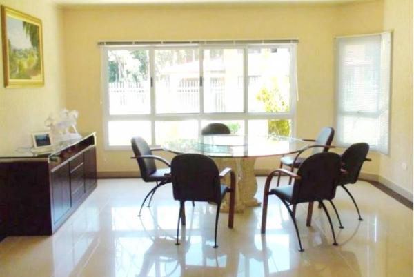 Curitiba: Residência LINEAR em Condomínio - 4 suites - Área construída : 610 m². - Terreno (útil): 2.500 m² 4