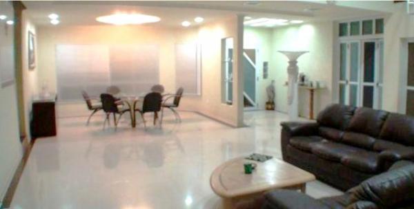 Curitiba: Residência LINEAR em Condomínio - 4 suites - Área construída : 610 m². - Terreno (útil): 2.500 m² 5