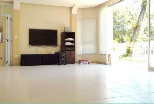 Curitiba: Residência LINEAR em Condomínio - 4 suites - Área construída : 610 m². - Terreno (útil): 2.500 m² 8