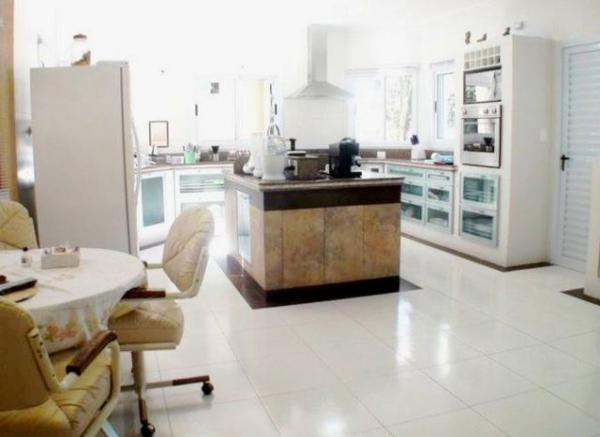 Curitiba: Residência LINEAR em Condomínio - 4 suites - Área construída : 610 m². - Terreno (útil): 2.500 m² 9