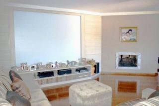 Residência em condomínio - Ampla área verde- Acesso fácil à todas as regiões - PISCINA c/cascata