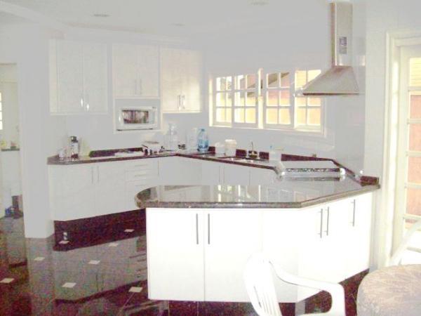 Curitiba: Em Condomínio com 40.000m². - Próx. Parque Tanguá - 4 Suites - Piscina privativa 12