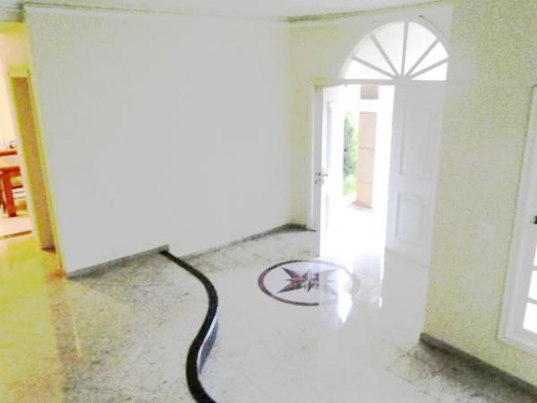 Curitiba: Em Condomínio com 40.000m². - Próx. Parque Tanguá - 4 Suites - Piscina privativa 26
