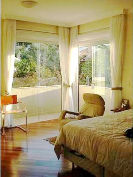 Curitiba: Em condomínio próx. Colégio Internacional - 4 Suites - Piscina - Altíssimo padrão 10