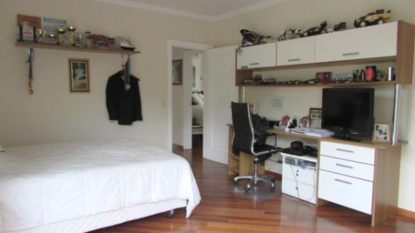 Curitiba: Em condomínio próx. Colégio Internacional - 4 Suites - Piscina - Altíssimo padrão 18