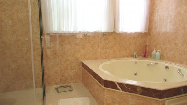 Curitiba: Em condomínio próx. Colégio Internacional - 4 Suites - Piscina - Altíssimo padrão 21