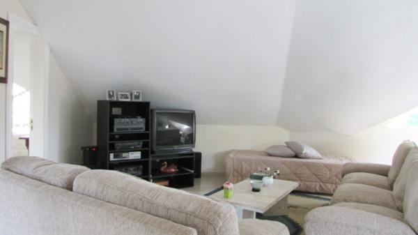 Curitiba: Em condomínio próx. Colégio Internacional - 4 Suites - Piscina - Altíssimo padrão 24