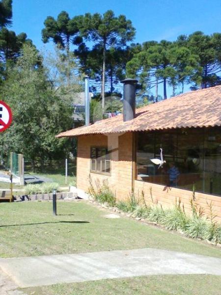 Curitiba: Em condomínio próx. Colégio Internacional - 4 Suites - Piscina - Altíssimo padrão 40