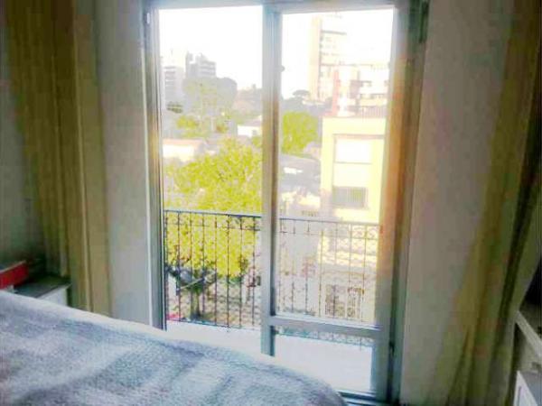 Curitiba: Apartamento em rua calma - Próx. Praça 29 de Março - Desocupado - 2 Garagens grandes. 10