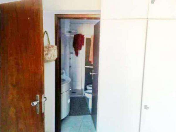 Curitiba: Apartamento em rua calma - Próx. Praça 29 de Março - Desocupado - 2 Garagens grandes. 11