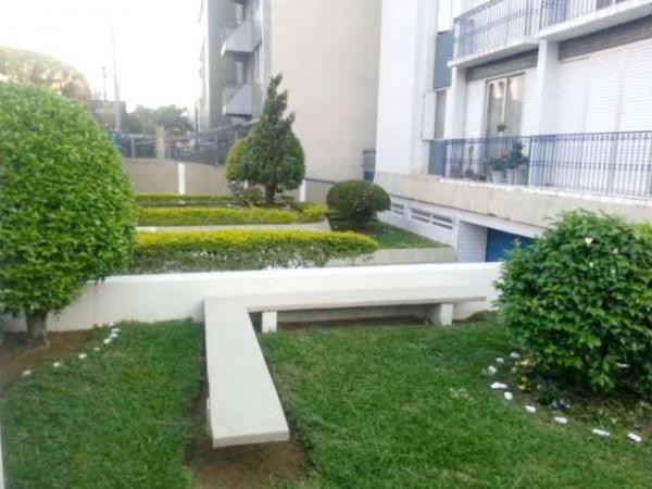 Curitiba: Apartamento em rua calma - Próx. Praça 29 de Março - Desocupado - 2 Garagens grandes. 13