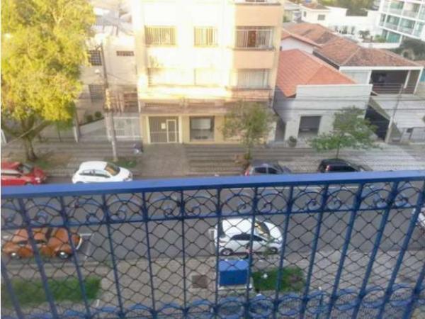 Curitiba: Apartamento em rua calma - Próx. Praça 29 de Março - Desocupado - 2 Garagens grandes. 14