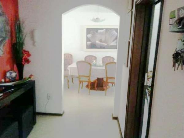 Curitiba: Apartamento em rua calma - Próx. Praça 29 de Março - Desocupado - 2 Garagens grandes. 2