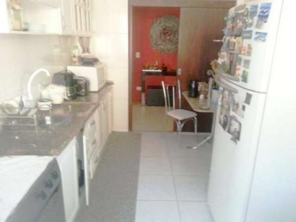 Curitiba: Apartamento em rua calma - Próx. Praça 29 de Março - Desocupado - 2 Garagens grandes. 4