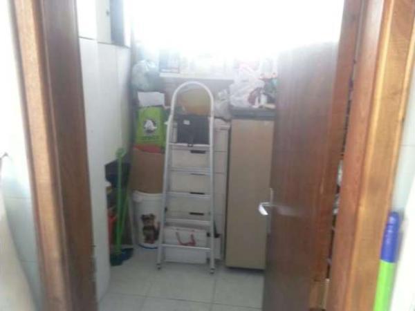 Curitiba: Apartamento em rua calma - Próx. Praça 29 de Março - Desocupado - 2 Garagens grandes. 6