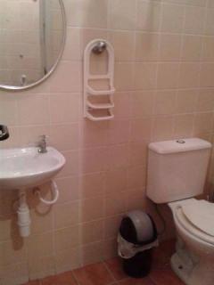 Santos: Apartamento na Enseada Guarujá  02 Dormitórios 02 banheiros 01 vaga com elevador e sacada 10