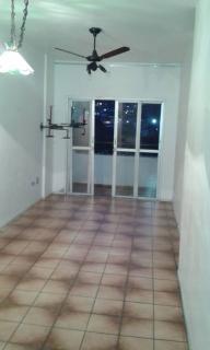 Santos: Apartamento na Enseada Guarujá  02 Dormitórios 02 banheiros 01 vaga com elevador e sacada 2