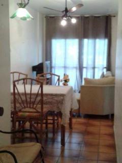 Santos: Apartamento na Enseada Guarujá  02 Dormitórios 02 banheiros 01 vaga com elevador e sacada 3