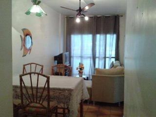 Santos: Apartamento na Enseada Guarujá  02 Dormitórios 02 banheiros 01 vaga com elevador e sacada 4