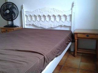 Santos: Apartamento na Enseada Guarujá  02 Dormitórios 02 banheiros 01 vaga com elevador e sacada 5