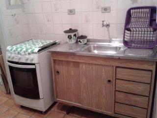 Santos: Apartamento na Enseada Guarujá  02 Dormitórios 02 banheiros 01 vaga com elevador e sacada 9