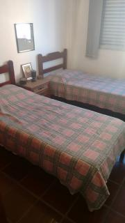 Santos: Apartamento 02 Dormitórios + dep completa Enseada Guarujá lado praia R$ 220.000,00 16