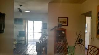 Santos: Apartamento 02 Dormitórios + dep completa Enseada Guarujá lado praia R$ 220.000,00 4