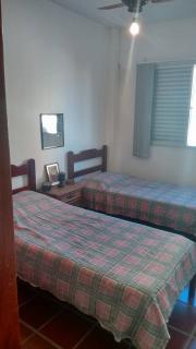 Santos: Apartamento 02 Dormitórios + dep completa Enseada Guarujá lado praia R$ 220.000,00 8