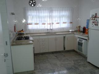 Mogi das Cruzes: Casa 3 Dormitórios - Condomínio Aruã 1