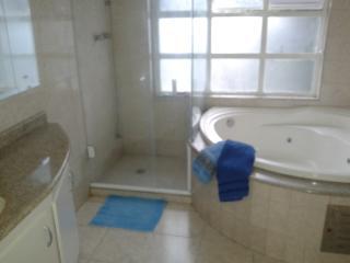 Mogi das Cruzes: Casa 3 Dormitórios - Condomínio Aruã 15