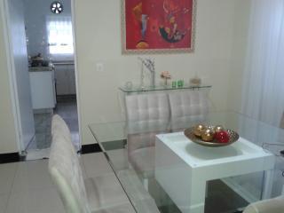 Mogi das Cruzes: Casa 3 Dormitórios - Condomínio Aruã 8