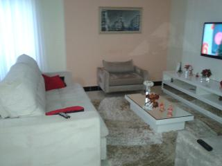 Mogi das Cruzes: Casa 3 Dormitórios - Condomínio Aruã 9