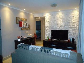 Excelente Casa Térrea em Condomínio Fechado, 3 Dormitórios 105 m² em São Bernardo do Campo - Jardim Borborema.